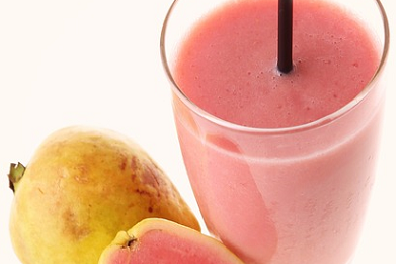 How Guava Juice Is More Nutritious for You Than These 7 Popular Fruit Juices